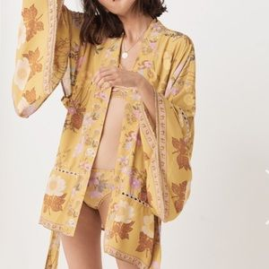 Spell & The Gypsy Collective Intimates & Sleepwear - NWT Spell Designs Wild Bloom Short robe